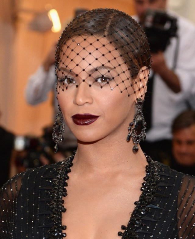 ClioMakeUp-rossetto-cambia-viso-5-beyonce