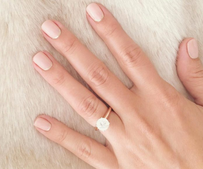 cliomakeup-french-manicure-lauren-conrad-reverse-french-manicure