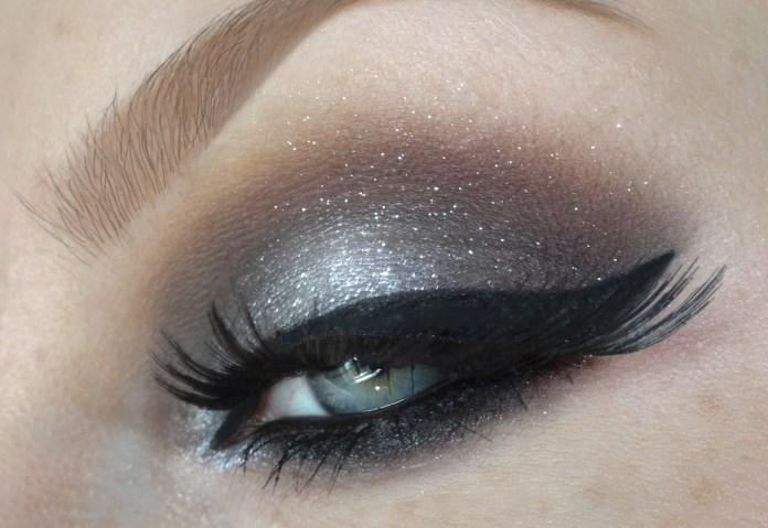 cliomakeup-come-truccare-occhi-grigi-9-smokey-eyes-shimmer