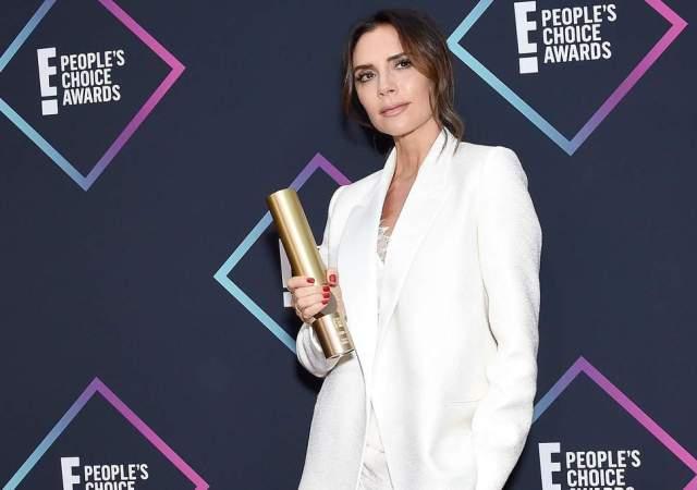 cliomakeup-people-choice-awards-2018-3-victoria-beackham-premio