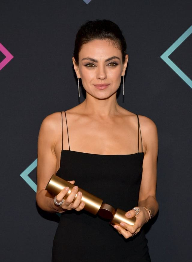 cliomakeup-people-choice-awards-2018-9-Mila-Kunis