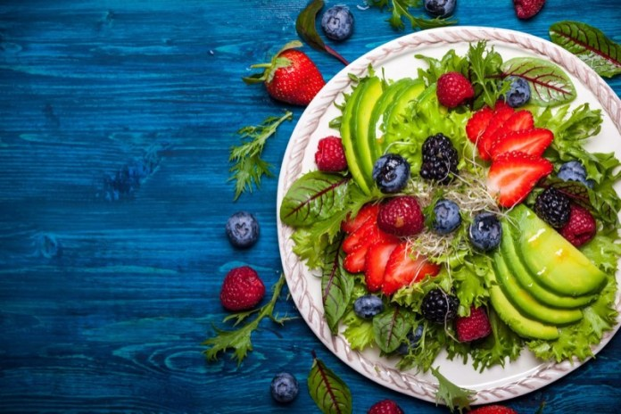 ClioMakeUp-rimedi-naturali-dolori-mestruali-18-healthy-food.jpg