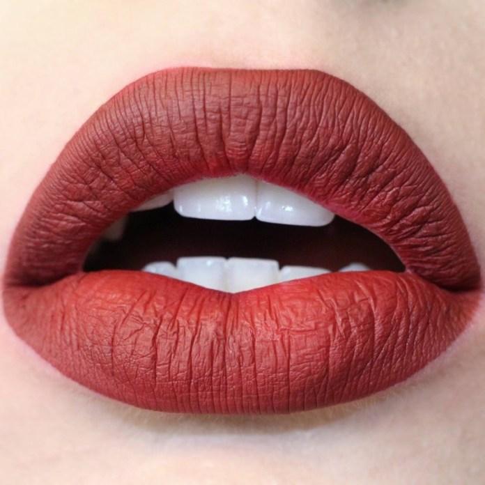 ClioMakeUp-makeup-capodanno-dark-skin-16-rossetto-rosso.jpg