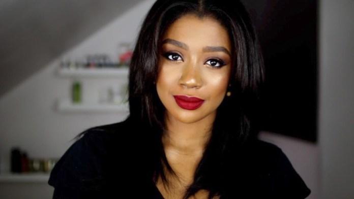ClioMakeUp-makeup-capodanno-dark-skin-18-donna-nera-rossetto-rosso.jpg