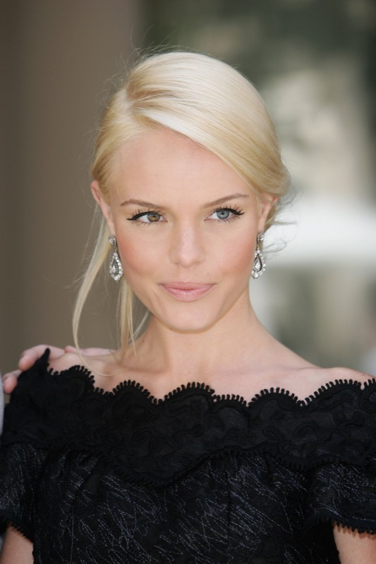 ClioMakeUp-cambi-hairstyle-celebrities-5-kate-bosworth-biondo-platino.jpg