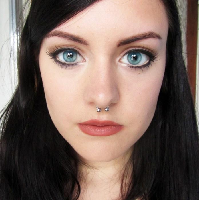 cliomakeup-trucco-occhi-grandi-tondi-7-eyeliner