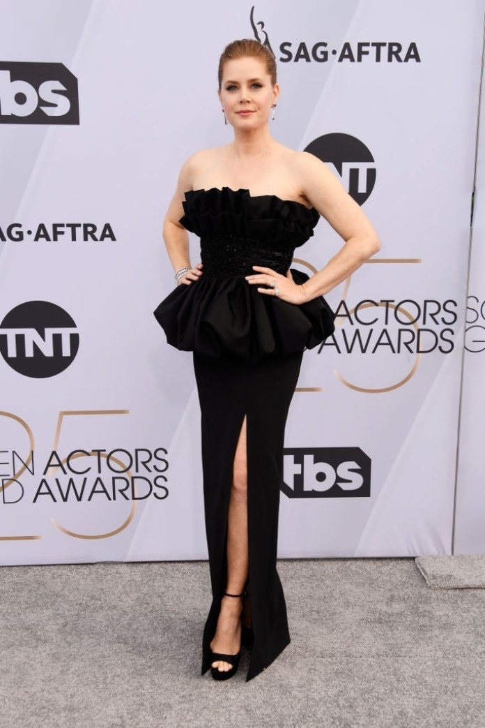 cliomakeup-sag-awards-20191-amy-adams