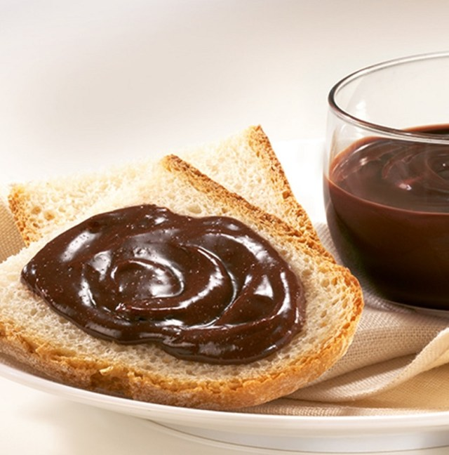 cliomakeup-alimenti-più-calorici-5-crema-cacao-nocciole