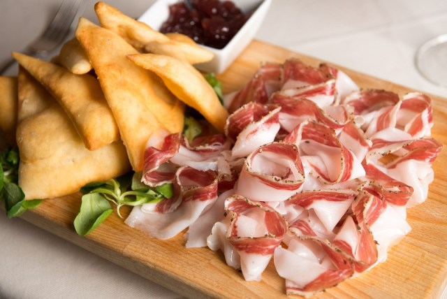cliomakeup-alimenti-più-calorici-18-gnocco-fritto