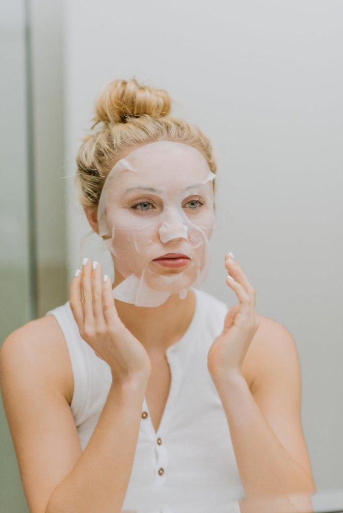 cliomakeup-skincare-primavera-12-maschera-tessuto