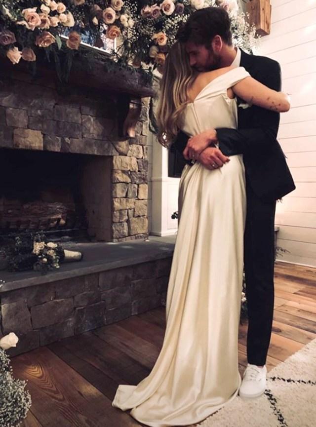 cliomakeup-acconciature-sposa-2019-12-miley-cirus