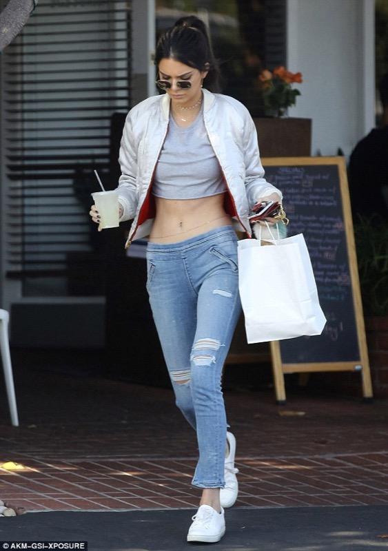 cliomakeup-jeans-a-vita-bassa-trend-5-kendall-jenner