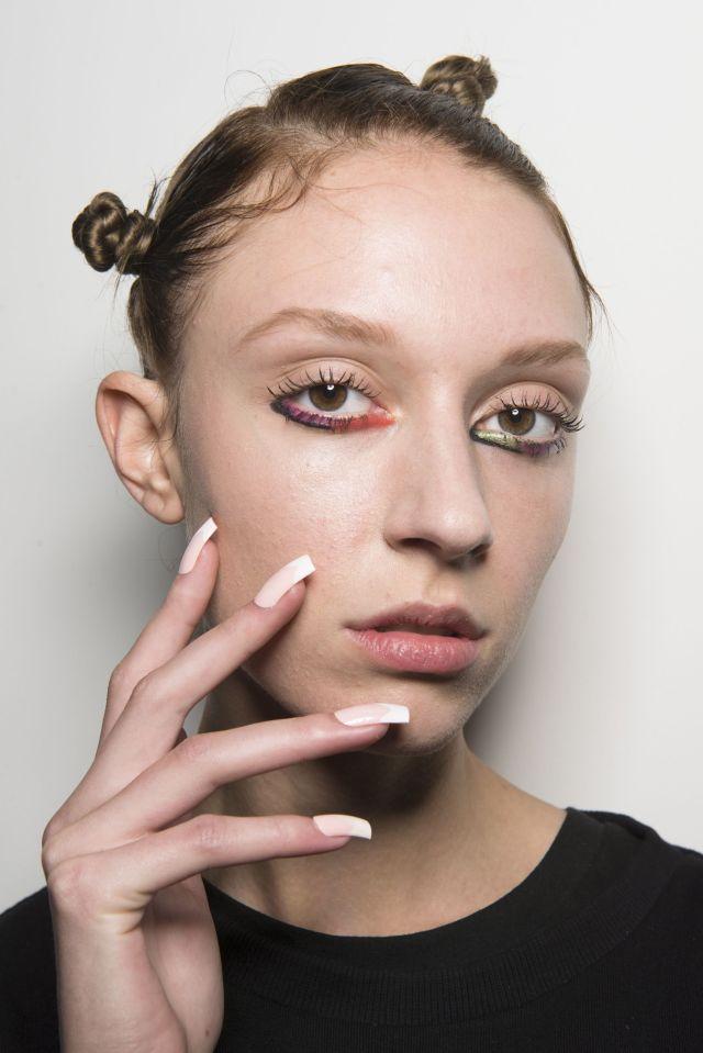 cliomakeup-upside-down-makeup-8-sfilata