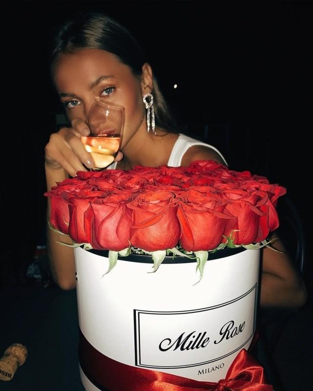 ClioMakeUp-vestiti-verdi-11-rose-rosse.jpg