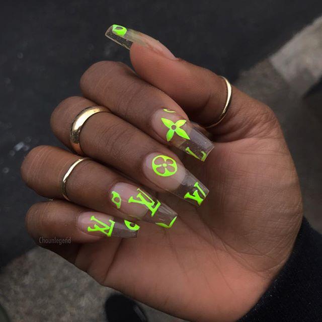 cliomakeup,unghie,primavera,2019,4,logo,fluo