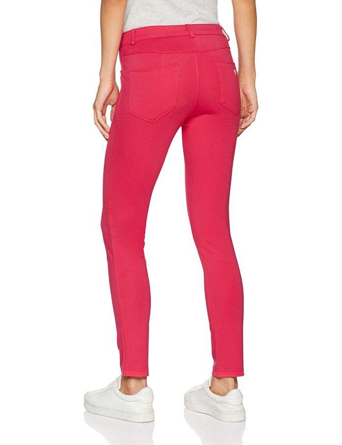Cliomakeup-creare-look-color-block-16-pantaloni-fucsia