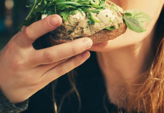cliomakeup-mindful-eating-7-mangiare-lentamente