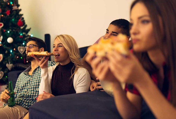 cliomakeup-mindful-eating-16-pizza-tv