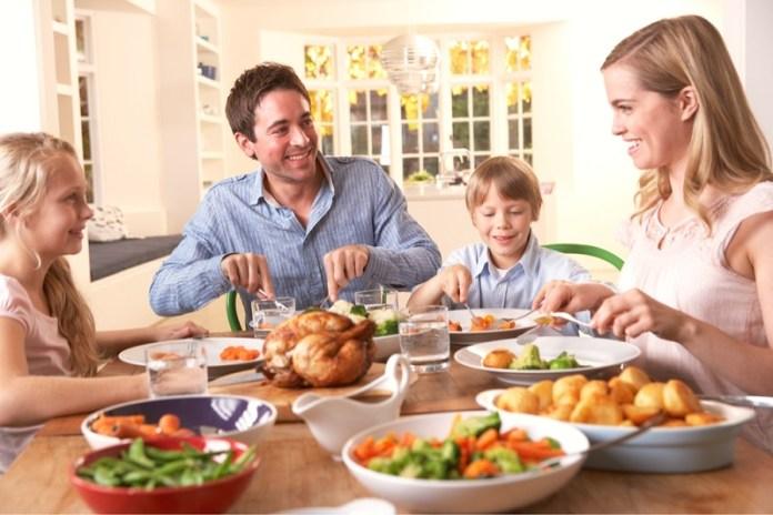 cliomakeup-mindful-eating-19-mangiare-con-bambini