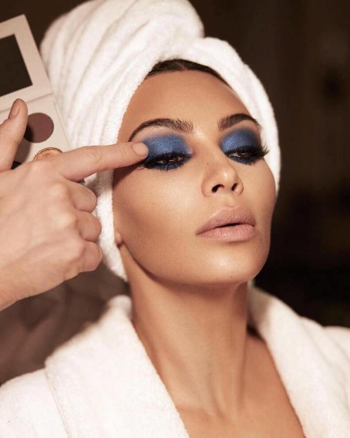 cliomakeup-trucco-occhi-blu-6-kim-kardashian
