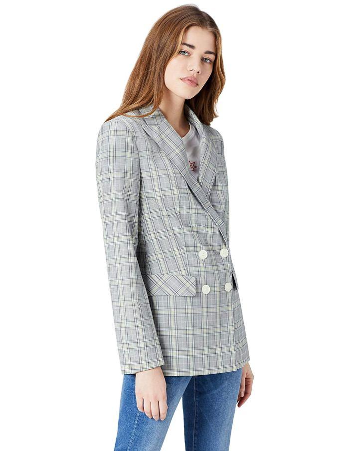 Cliomakeup-copiare-look-emilia-clarke-13-blazer-quadri
