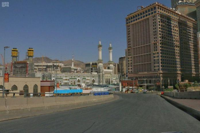 The streets of Mecca after the curfew was introduced for the third hour