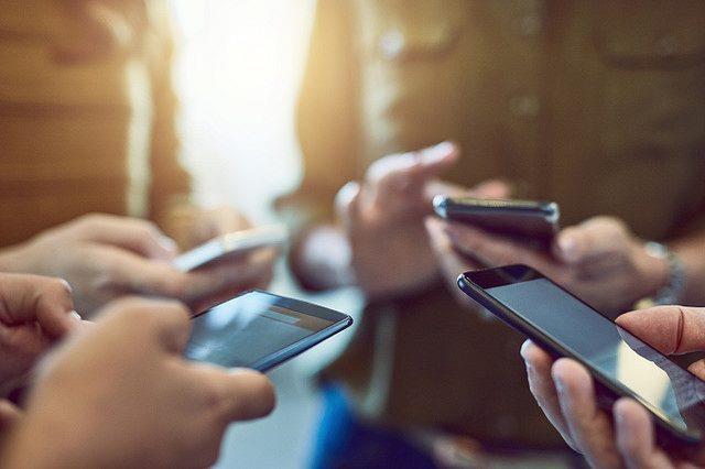 نتيجة بحث الصور عن نصائح للوقاية من إشعاعات الهواتف المحمولة