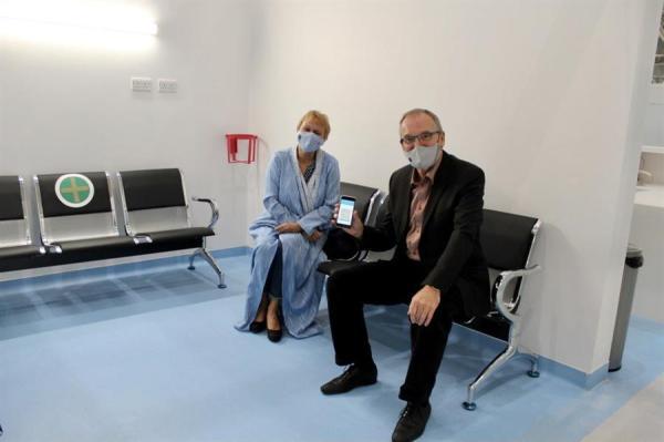 """صور.. السفير الألماني يتلقى الجرعة الأولى من لقاح """"كورونا"""".. وهذا ما قاله"""