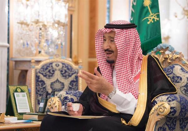 خادم الحرمين الشريفين يمنح وسام الملك عبدالعزيز من الدرجة الأولى للطالبين جاسر و ذيب اللذين استشهدا غرقا في أمريكا، ومليون ريال لورثة كل منهما