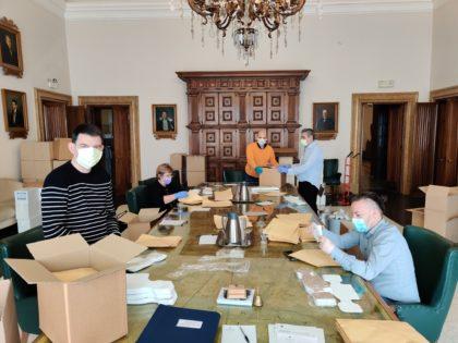 Coronavirus, martedì via alla consegna delle mascherine acquistate dal Comune
