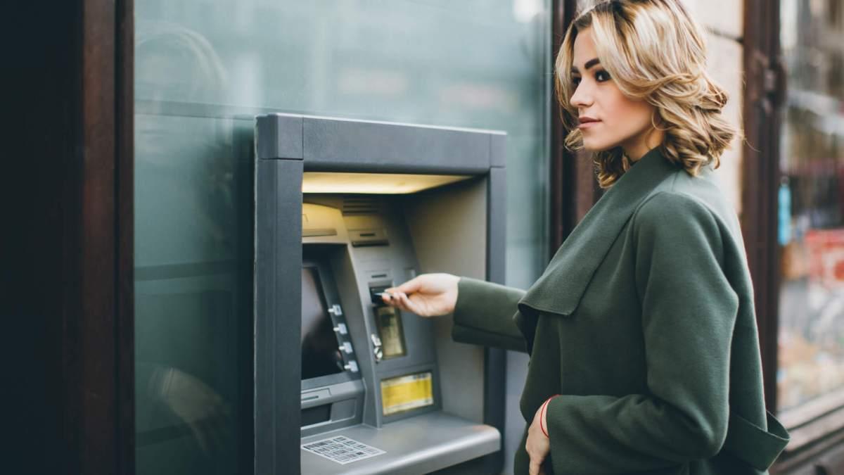 Descubre cómo evitar los costes y comisiones bancarias