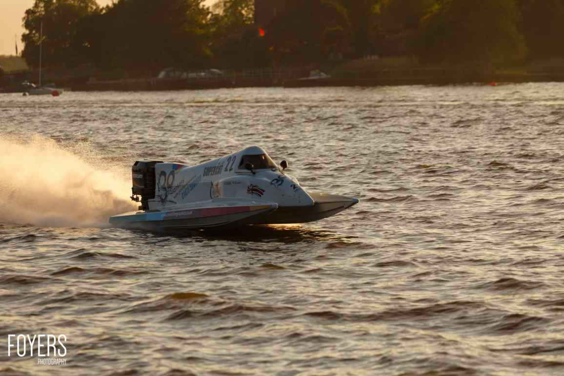 speed boats oulton broad-3786-copyright-Robert Foyers