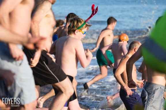ALdeburgh Boxing Day swim 2016 - 0029 - December 26, 2016 - copyright Foyers Photography