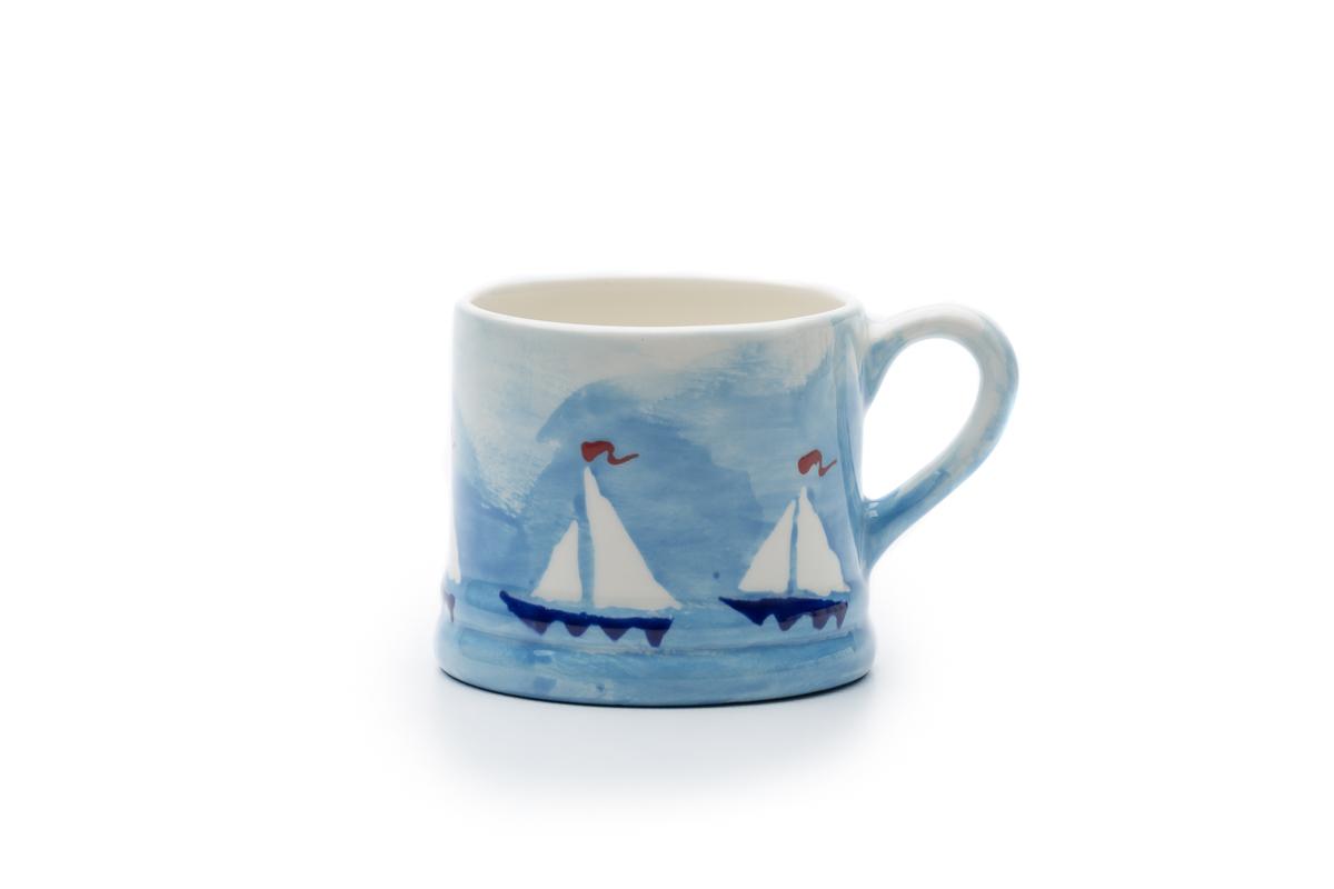 Hannah Berridge hand-paint ceramics, She loves what she does