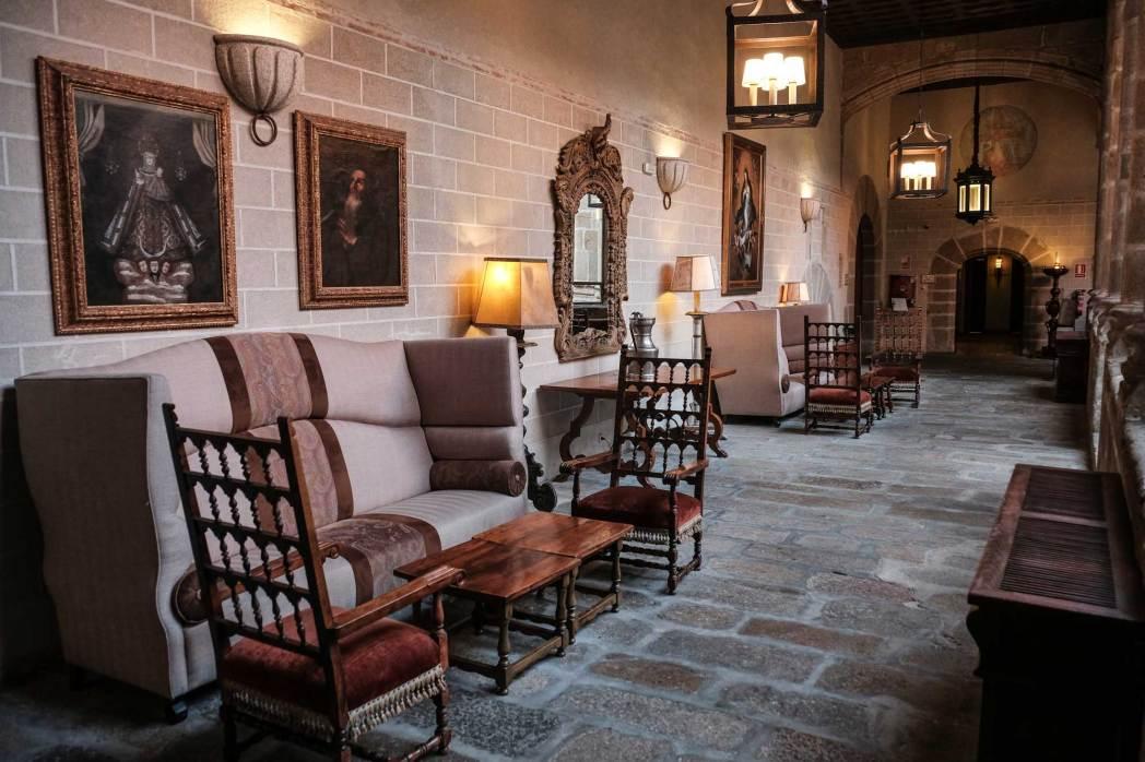 El Parador de Turismo es el antiguo Convento de San Vicente Ferrer.