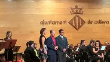 Enrique Alborch rep el Premi Euterpe per la composició 'Júlia'. Fou alhora qui dirigí la gravació del CD 'Amadaràs' també guardonat