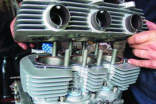 Triumph Trident T150V engine overhaul