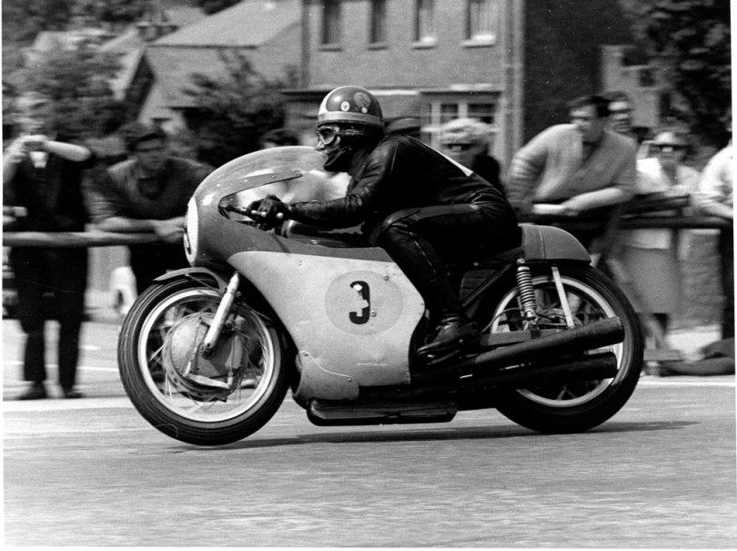 1967 Senior TT - Giacomo Agostini 500 MV Agusta-3 at Bray Hill