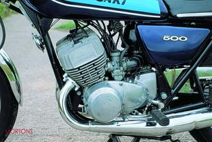 Kawasaki 500 triple two stroke perfiormance motorcycle
