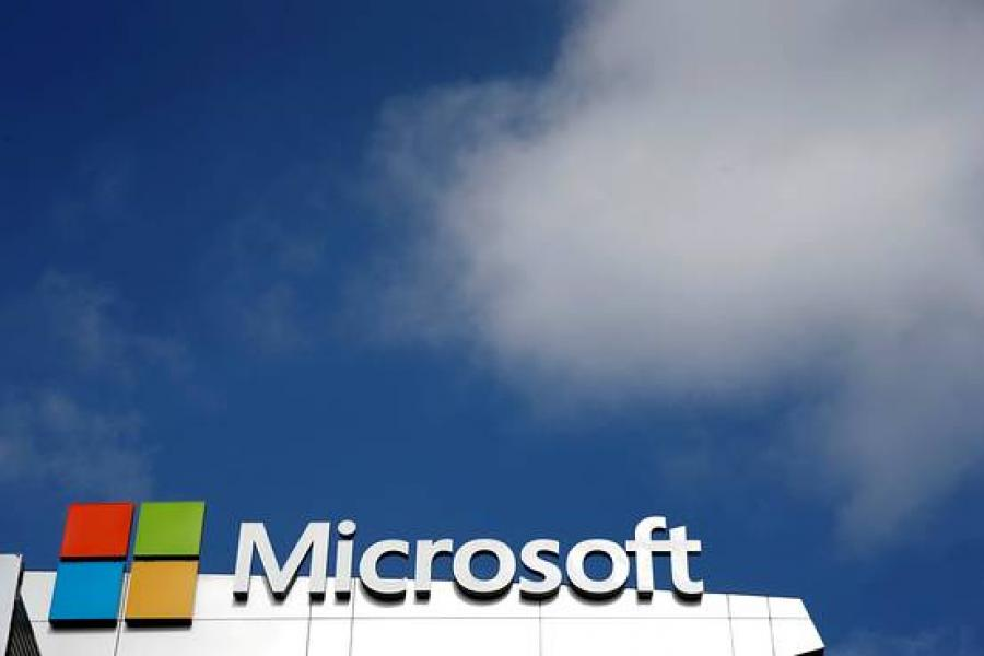 Big Computer Makers Cozy Up to Microsoft's Cloud