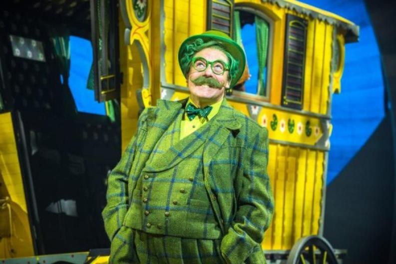 THE WIND IN THE WILLOWS - Touring