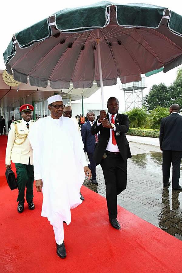 Buhari leaves for Kenya3