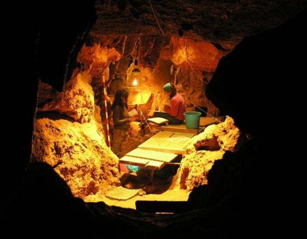 La grotte d'El Sidron où on a découvert 12 Néandertals datant de 49 000 ans - Crédit : Paleoanthropology Group MNCN-CSIC; Photo by Antonio Rosas)