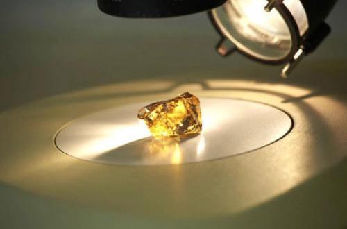 Afrique du Sud: Rockwell Diamonds récupère un diamant jaune octogonal de 121 carats à Saxendrift