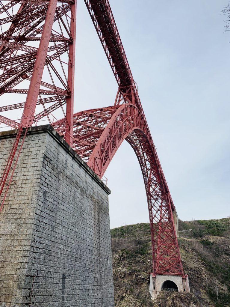 Garabit viaduct support column and arch from below