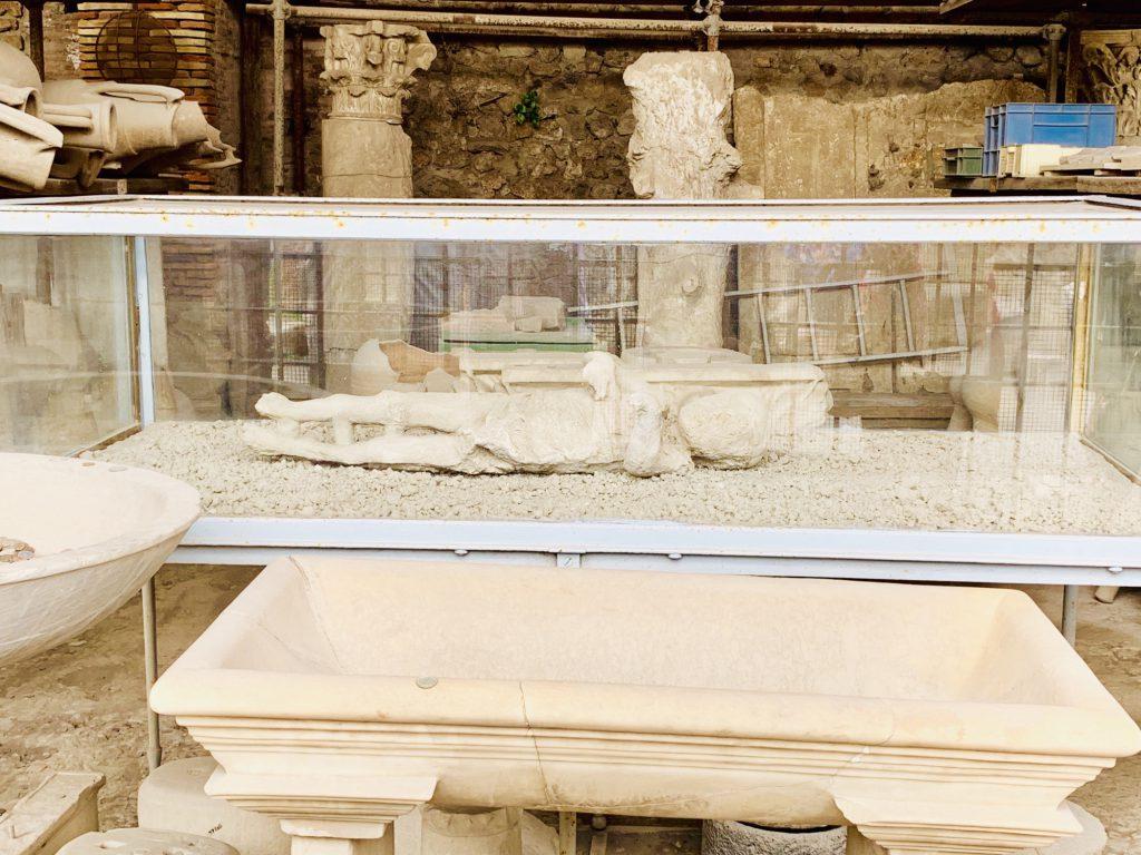 child cast at pompeii