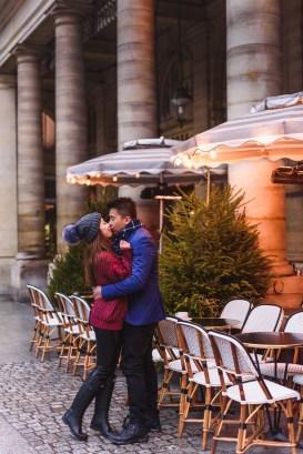 Louvre photossesion couple. Photographer Paris