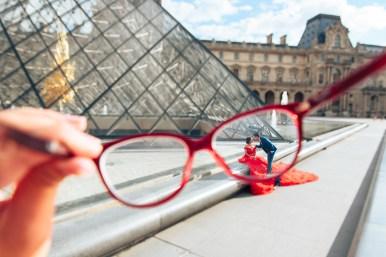 Парижский фотограф в Лувре фотосессия lovestory
