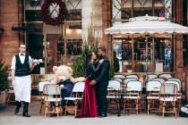 Фотограф в Париже. Пара фотосессия в кафе