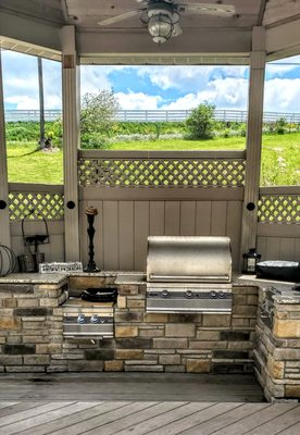 the fireplace and patioplace 4920